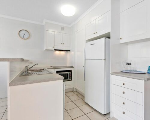 sunshine-coast-2-bedroom-1-bath-apartment (2)