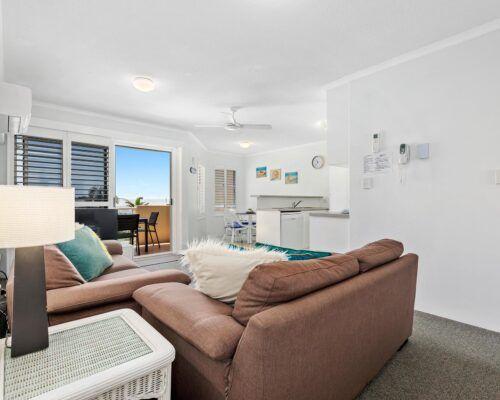 sunshine-coast-2-bedroom-1-bath-apartment (3)