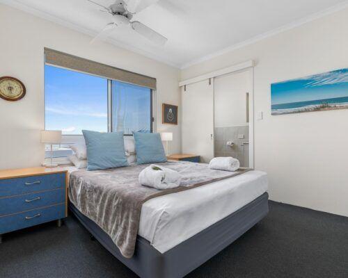 sunshine-coast-2-bedroom-2-bath-apartment-(3)