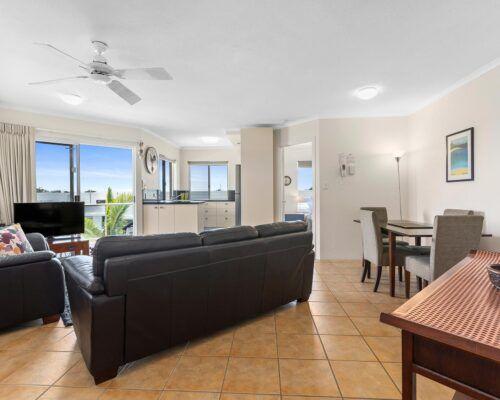 sunshine-coast-2-bedroom-2-bath-apartment-(4)
