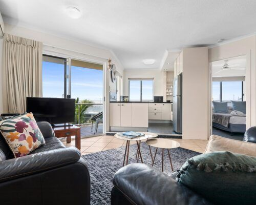 sunshine-coast-2-bedroom-2-bath-apartment-(7)